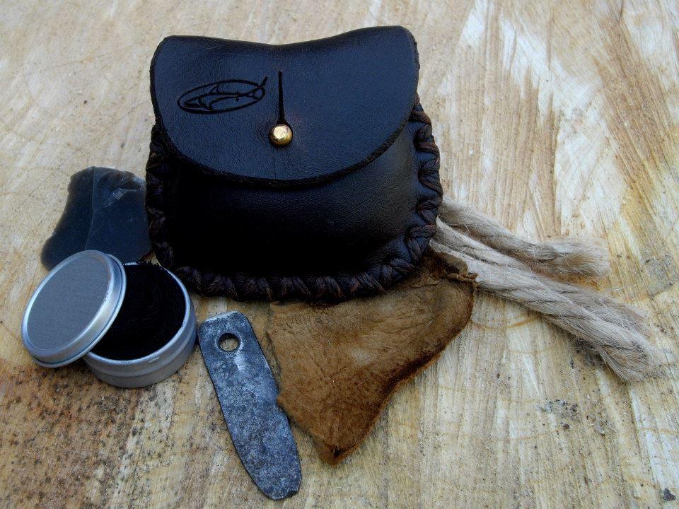 sharktinderbox-pocket-tinder-pouch